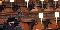 Rainha Elizabeth II homenageou o marido com toque pessoal
