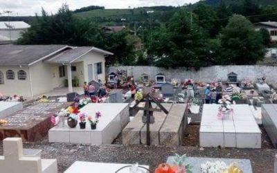 Quem comprou lote no Cemitério de Água Doce tem um ano pra morrer pra não perder lote